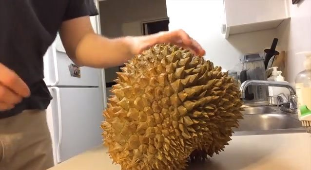 What Does Durian Taste Like