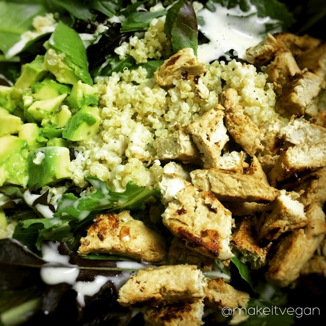 vegan mixed greens salad with gardein chickin
